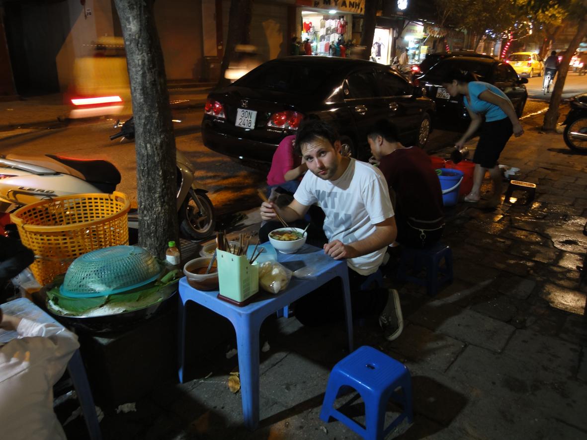 bun mien, hanoi, vietnam street food