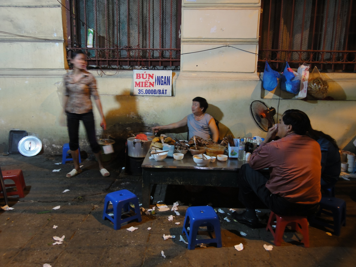 bun mien, hanoi, vietnam, street food